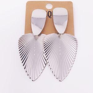 Jewelry - Silver Leaf Clip on Earrings